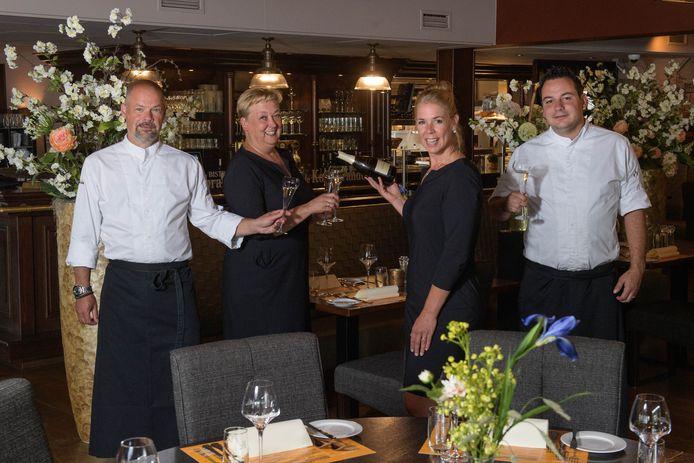 Het team van Bistro de Kolenbrander. Vlnr: Marcel Ravers, Jacqueline de Witte, Sandra Rooroh en Mark Altena.