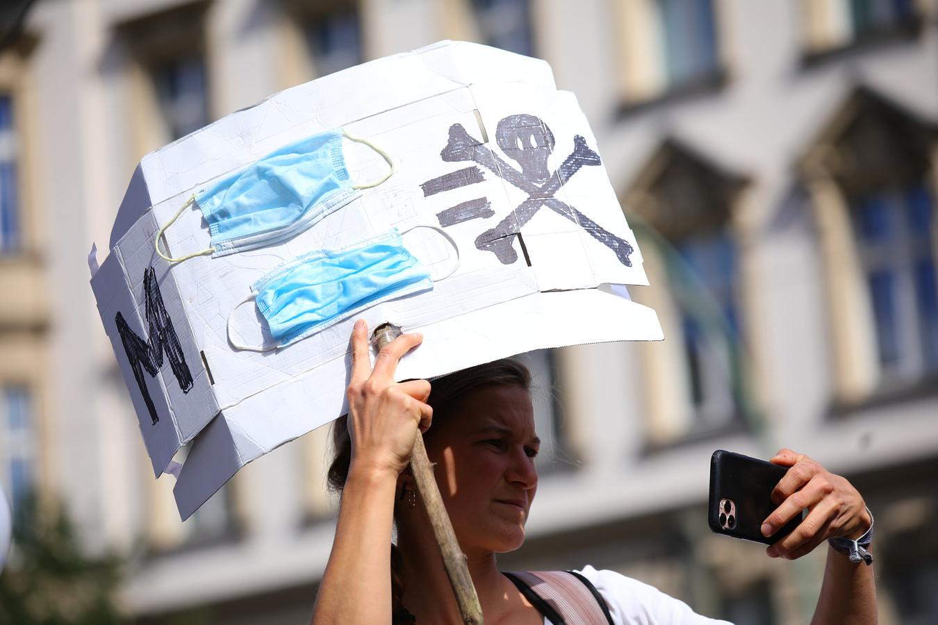 Een deelneemster aan de demonstratie.