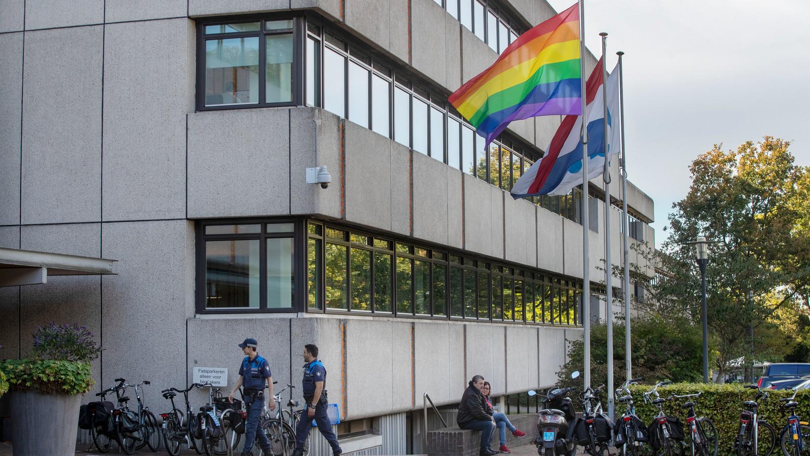 Ede is nog geen Regenbooggemeente, maar in 2018 wapperde wel voor het eerst de Regenboogvlag bij het Edese gemeentehuis.