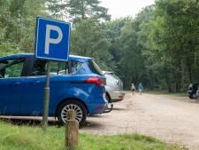 Parkeren in Veluwse bossen gaat vanaf volgend jaar geld kosten: 'Extra inkomsten nodig'
