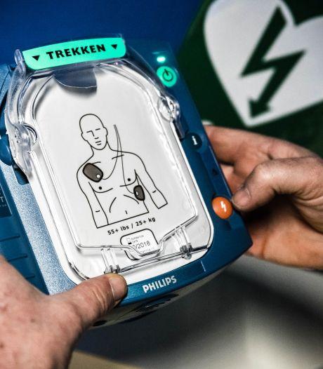Monteurs VodafoneZiggo al vijftig keer uitgerukt met AED