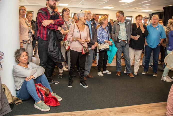 Bezoekers van de open dag bij de Stentor.