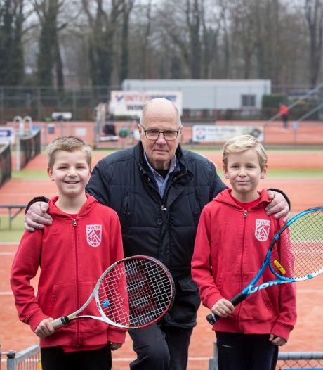 In honderd jaar van een elitaire 'bond' naar een toegankelijke tennisclub met een geliefd buffet
