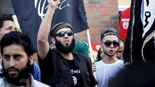 Amsterdammer Lotfi S. zou zichzelf gisteren hebben opgeblazen op in Irak.