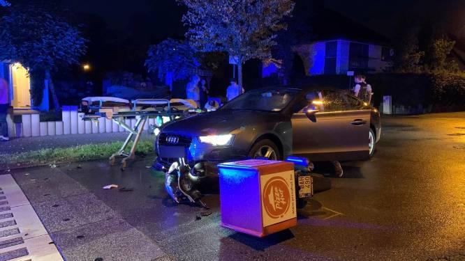 Pizzakoerier gewond na aanrijding met personenwagen