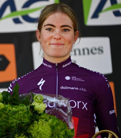 Wereldkampioene Van der Breggen helpt nieuwe heldin Vollering aan eerste grote zege
