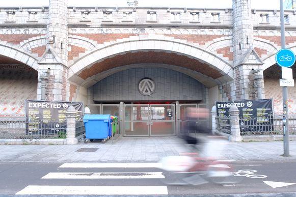 De nachtclub onder de spoorweg aan het Centraal Station gaat ook live concerten organiseren in 2019.