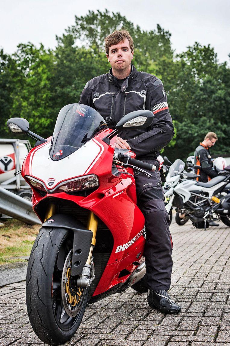 Ducatirijder Randy van Maasdijk. Beeld Guus Dubbelman/de Volkskrant
