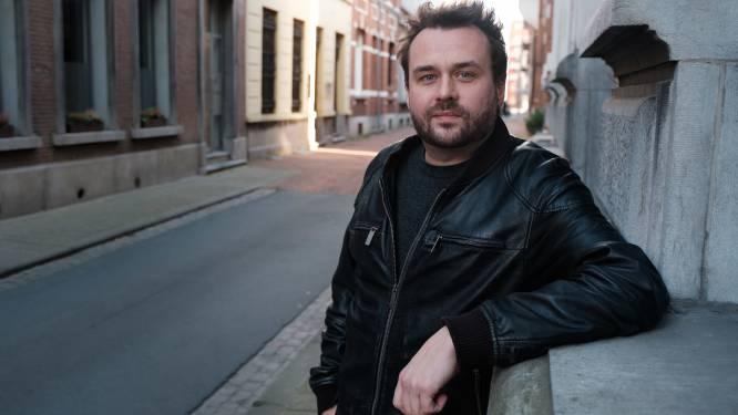 Dez Mona-frontman Gregory Frateur treedt op in Studio De Steiger