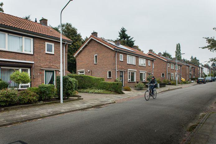 De jaren vijftigwoningen aan de Kamperfoelielaan in Wageningen, zoals er meer in de Benedenbuurt staan.