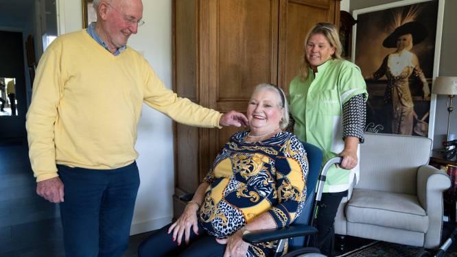 Jean (79) regelt gratis concert voor zorg: 'Zonder zorgmedewerkers zijn mijn vrouw en ik nergens'