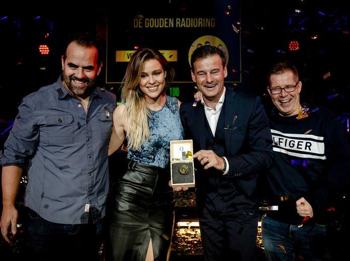 Veronica Inside met de Gouden RadioRing tijdens het Gouden RadioRing Gala.