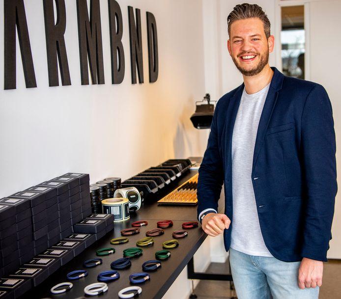 Danny de Keizer (38) maakt stoere en minimalistische armbanden voor zijn merk Armbnd.