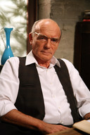 Frank Aendenboom als norse café-eigenaar Rik in 'Lili & Marleen'.