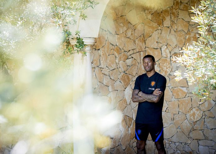 2021-05-30 15:51:13 LAGOS - Georginio Wijnaldum tijdens een persmoment van het Nederlands elftal op het Cascade Resort op 30 mei 2021 in Lagos, Portugal. Het Nederlands elftal bereidt zich in Portugal voor op het UEFA EURO 2020. ANP KOEN VAN WEEL