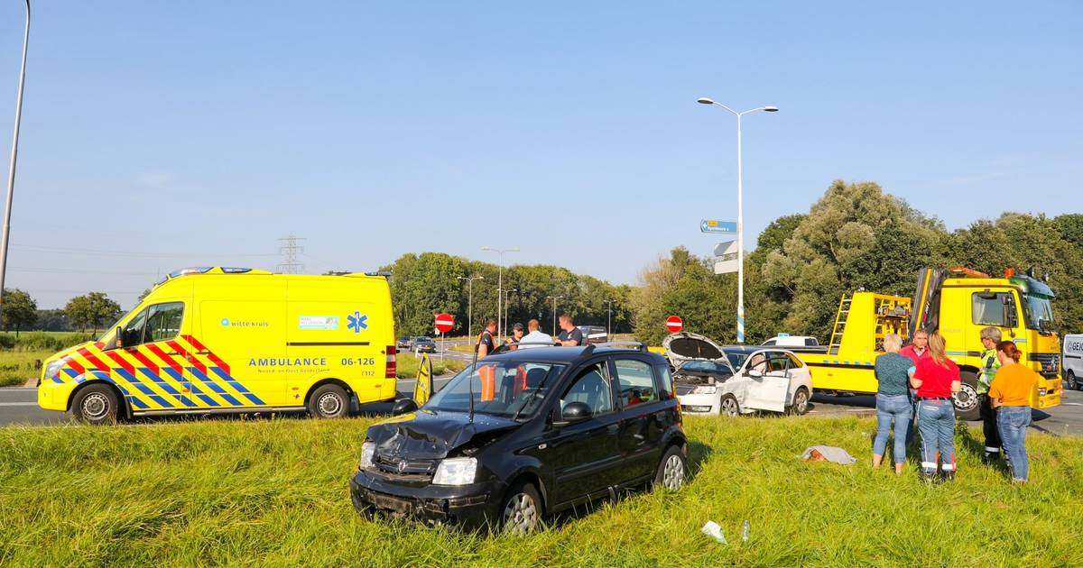 Ongeval in Apeldoorn op afrit A1: één gewonde verkeer kan na fikse vertraging weer doorrijden.