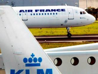 """Aandelen Air France-KLM kelderen: """"Toekomst bedrijf staat op het spel"""""""