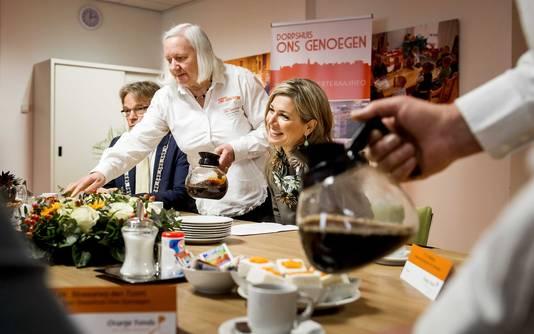 Koningin Maxima brengt als beschermvrouwe van het Oranje Fonds ieder jaar een bezoek aan de genomineerden voor de Appeltjes van Oranje