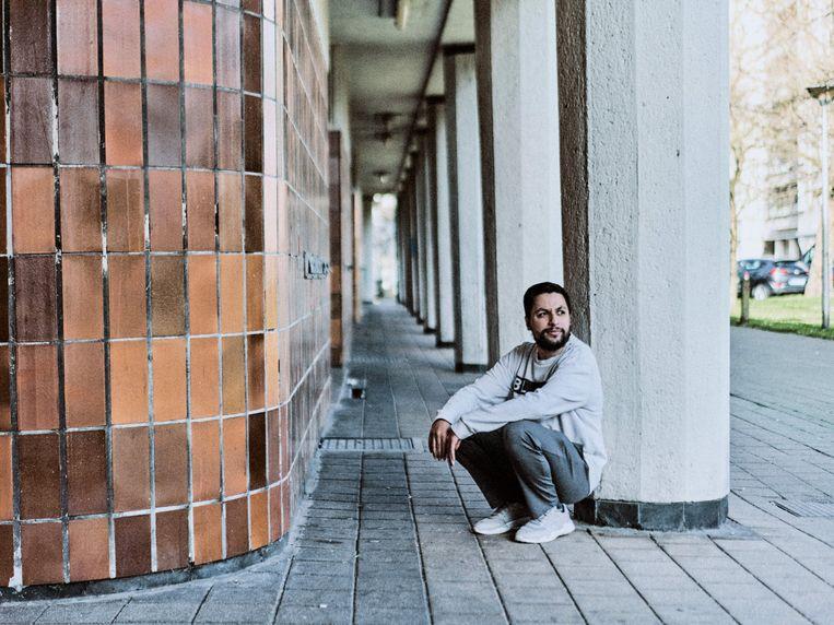 Mohamed Ouaamari: 'Links minimaliseert de Vlaamse identiteit te veel. Daar denkt men dat we allemaal wereldburgers zijn, maar ik geloof niet  in dat riedeltje.'    Beeld Thomas Sweertvaegher