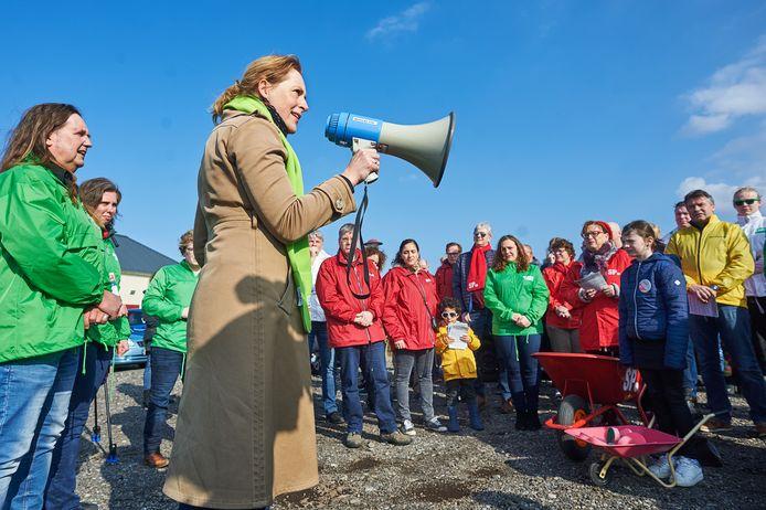 Hagar Roijackers, fractieleider van GroenLinks in Brabant. Hier eerder in actie op een manifestatie tegen de komst van een mestfabriek in Oss.
