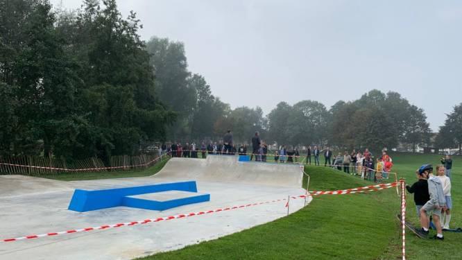 """Nieuw skatepark geopend in centrum van Westouter: """"Gebruikers van het begin betrokken bij dit initiatief"""""""