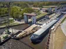 Negentiende stremming Twentekanaal, schippers en bedrijven kunnen alleen maar wachten