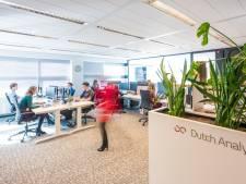 Slimme startups van Yes!Delft gaan Rotterdamse ondernemers handje helpen
