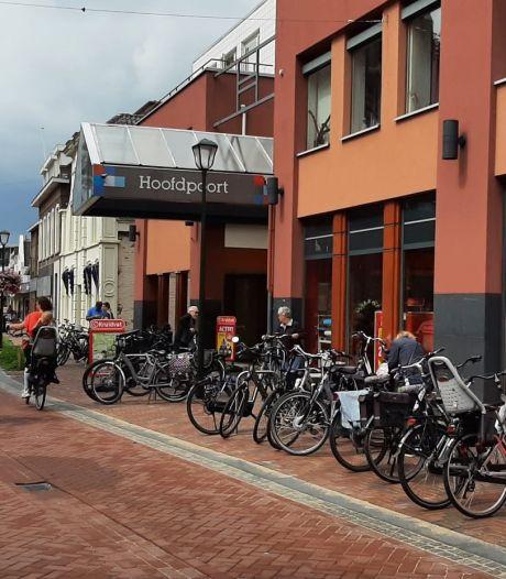 Vraag om 'nietjes' vindt gehoor: extra fietsbeugels bij winkelcentrum Kaatsheuvel