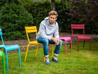 """Jonas Van Geel getuigt over z'n (b)roze wolk: """"Voor papa's is het moeilijker om een band op te bouwen met de baby"""", bevestigt expert"""