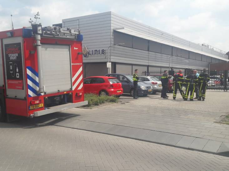 Politiebureau Tilburg ontruimd na flinke hoestbuien, brandweer doet metingen