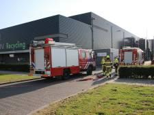 Hardnekkige brand bij recyclingbedrijf;  brandweer Tiel moet terugkomen