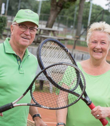 Na een tennisarm jaar weer een balletje slaan in Tiel: 'We zijn blij dat we weer mogen'