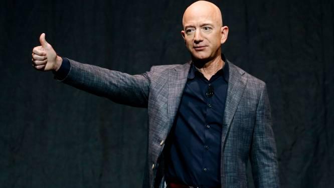 Tienduizenden tekenen petities om Jeff Bezos niet meer naar aarde te laten terugkeren na ruimtereis volgende maand