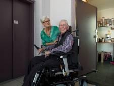 Ingesloten Parkinsonpatiënt kan toch naar corso dankzij Tielse brandweer