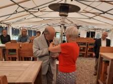 Oprichter en oud-voorzitter Gérard Hollanders van Puttens Historisch Genootschap krijgt erepenning