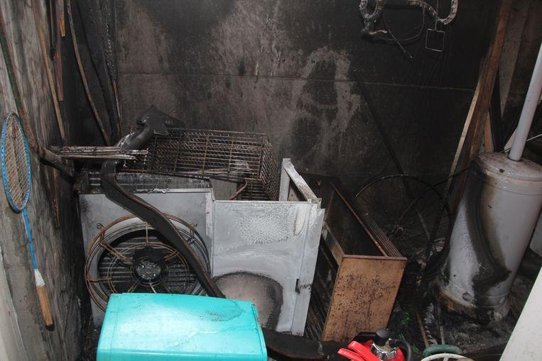 De aandrijfmotor van de koelinstallatie vatte vuur.