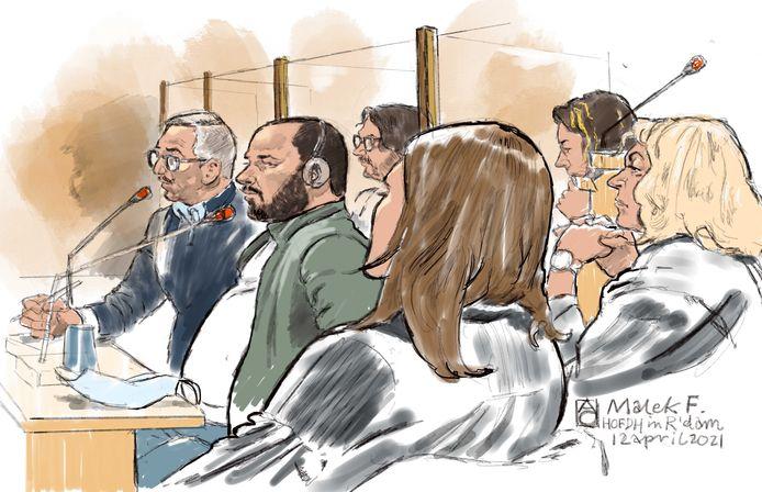 Rechtbanktekening van de 34-jarige Malek F. (2e L) in de extra beveiligde zaal tijdens het hoger beroep in Rotterdam. V.l.n.r.  tolk, Malek F., zijn advocaten Job Knoester en Yvonne van der Hut (achter). Op de voorgrond twee advocaten van slachtoffers.