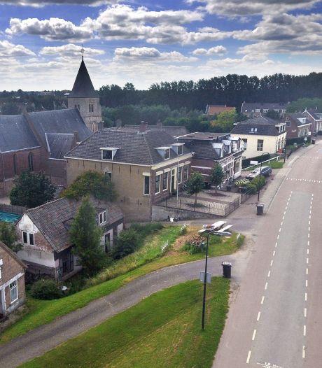 Groeten uit Langerak, het dorp aan dat lange stuk van de Lek
