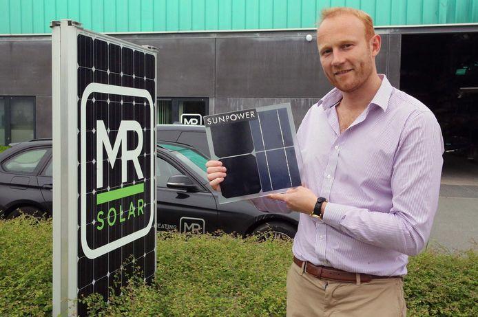 Robin Maes van MR Group installeert met zijn bedrijf hernieuwbare energiesystemen. Hij won vorig jaar de titel.