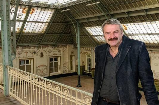 Tuur Troch, algemeen directeur van onder meer Sint-Angela, zet zich al 16 jaar lang voor het renovatieproject van de 'feestzaal' in.