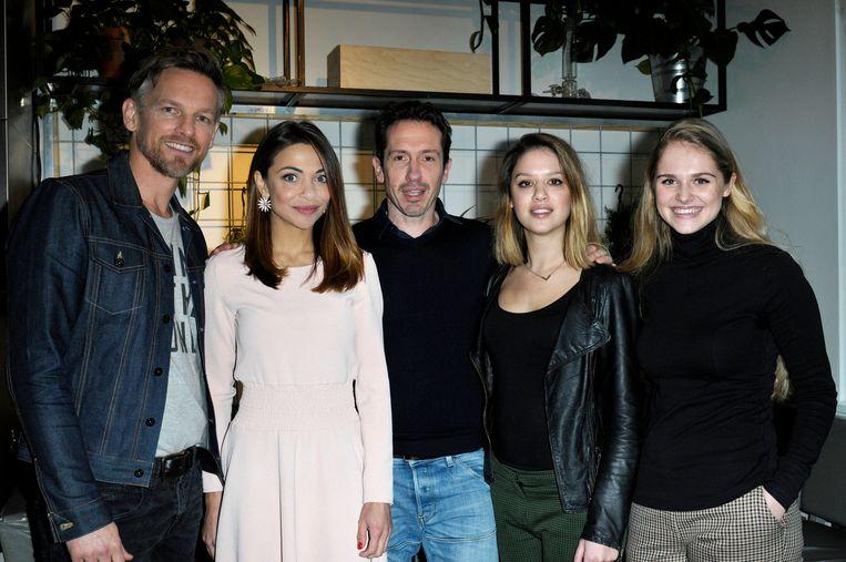 De cast van Klem: (vlnr) Barry Atsma, Georgina Verbaan, Jacob Derwig, Jamy Grant en Marie Mae van Zuilen. Beeld ANP Kippa