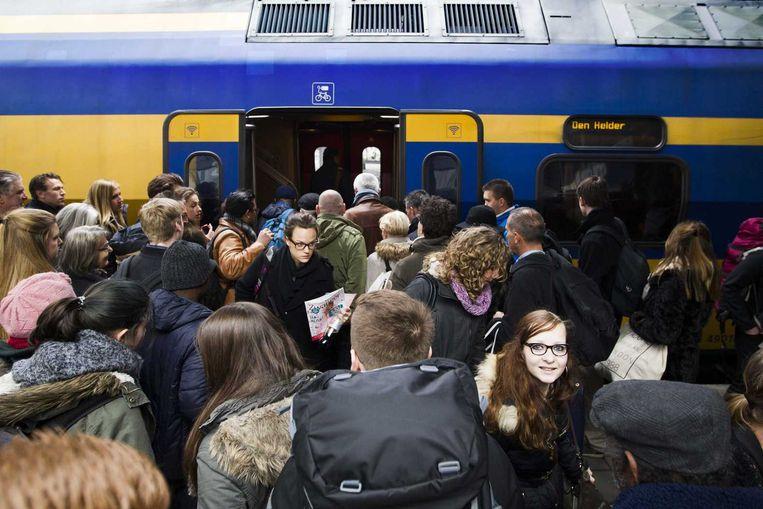 Drukte op Utrecht Centraal. Beeld anp