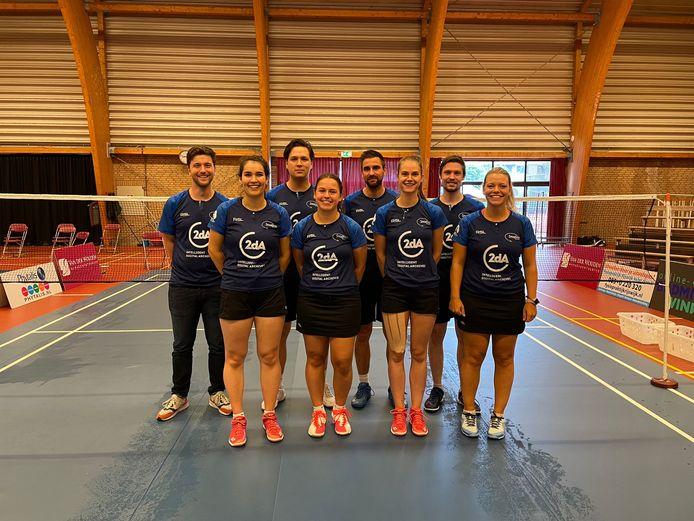 De selectie van badmintoneredivisionist Smashing uit Wijchen.