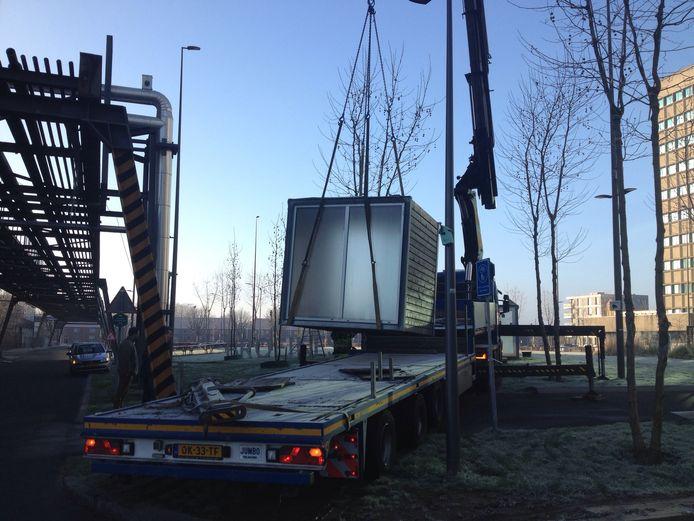 Exporuimtes op het grasveld tussen Glasgebouw en Bosch kantoor krijgen een nieuw plekje.