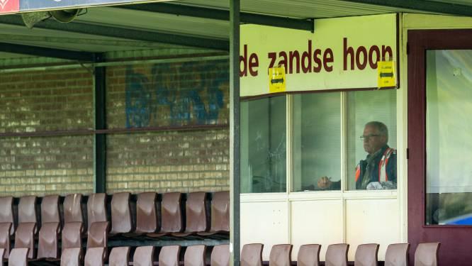 Jonge Kracht geeft eigen tribunestoeltjes uit oude Diekmanstadion van FC Twente weg