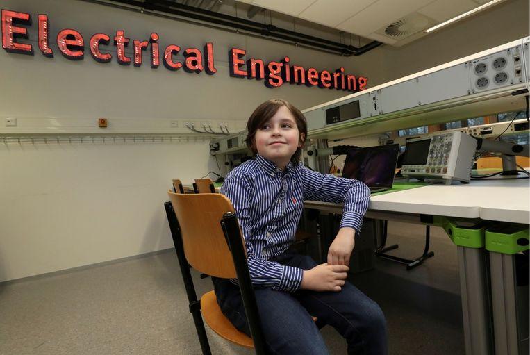 'Het is Laurents droom om kunstmatige organen te ontwikkelen en mens en machine te doen samensmelten tot een cyborg. Dat kan levens redden, daar gelooft hij erg in.' Beeld