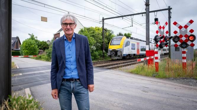 Geplande sluiting overweg blijft wijken Zevenbergen en Donk beroeren, stad geeft extra duiding tijdens infovergadering