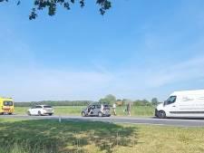 Flinke file door ongeval met drie auto's op N18 bij Heelweg