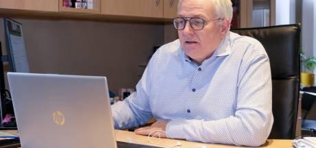 """Le professeur Dirk Devroey tire la sonnette d'alarme: """"Plus de la moitié des gens ne viennent pas se faire vacciner"""""""