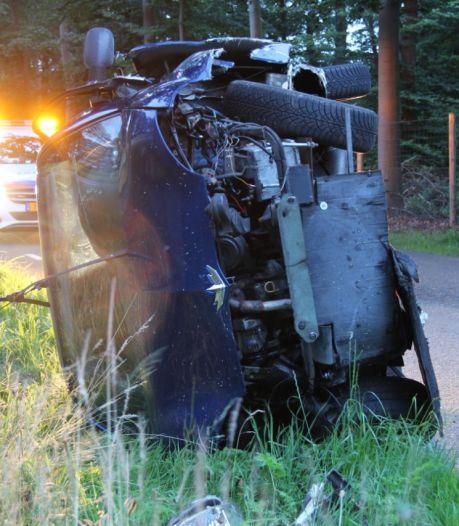 Brommobiel op zijn kant na ongeluk in Wierden, bestuurder met letsel naar het ziekenhuis